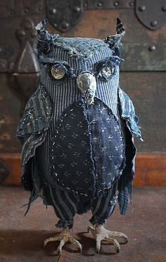"""Unique Junktique: Tuesday's Top Five Favorite Junk Finds """"soft sculpture owl"""" by Ann Wood Fabric Birds, Fabric Art, Fabric Crafts, Sewing Crafts, Sewing Projects, Fabric Animals, Fabric Dolls, Jean Crafts, Denim Crafts"""