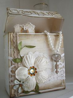 Shabby Chic Box  The Key To My Heart On Pearl Chain !!!