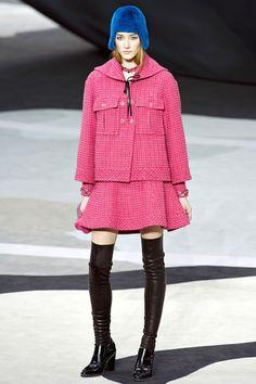 Hot Pink Tweed @CHANEL chanel fall winter 2013 #pfw paris #fashion week