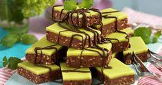 Dammsugare i långpanna Raw Desserts, Cookie Desserts, No Bake Desserts, Cookie Recipes, Delicious Desserts, Yummy Food, Raw Food Recipes, Baking Recipes, Sweet Recipes