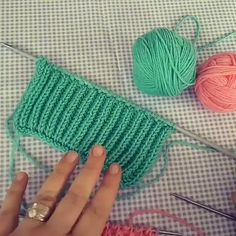 Knitting Pattern of the day Best Picture For Crochet bufanda For Your Taste You are looking for something, and it is going to tell you. Beginner Knitting Patterns, Knitting Basics, Easy Knitting Patterns, Knitting Designs, Free Knitting, Crochet Patterns, Sock Knitting, Knitting Tutorials, Knitting Machine