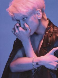 Smart look Jonghyun ❤️