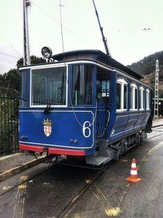 Tranvía azul. Barcelona