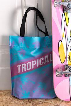 Buy this Tropical bag - http://www.wayfarer.cz/damske-tasky-pres-rameno