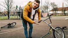Bmx, My Boyfriend, Winter Jackets, Youtube, Instagram, Fashion, Winter Coats, Winter Vest Outfits, Fashion Styles