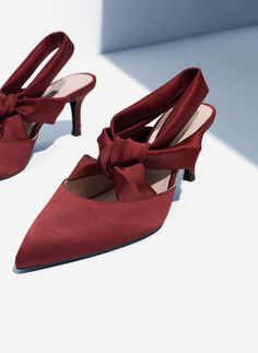 Uterqüe Portugal Product Page - Calçado - Sapato sem calcanhar de cetim - 39.95