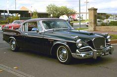 Înainte de a ieşi din industria auto, Studebaker Corporation produce seria de automobile Hawk astfel: - Studebaker Golden Hawk - între anii 1956-1958; - Studebaker Silver Hawk - între anii 1957-1959; - Studebaker Sky Hawk - în anul 1956; - Studebaker Flight Hawk - în anul1956; - Studebaker ...