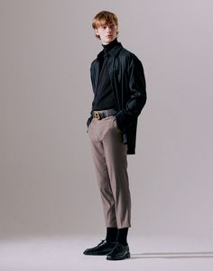 Poses For Men, Boy Poses, Male Poses, Human Poses Reference, Pose Reference Photo, Aesthetic Fashion, Aesthetic Clothes, Photo Pose For Man, People Poses