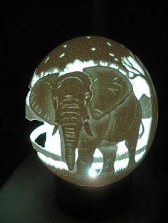 Arte em Casca de Ovos - Escultura em casca ovo - Egg Carving: Encomenda Elefantes