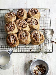 Wholewheat maple cinnamon buns - Jamie