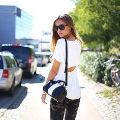 Sandra, Dinamarca (www.blogbysandra.dk) #camiseta #blanca #print #camuflaje #look #styled4justfab
