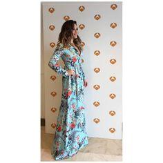 La actriz y cantante @lorenagomez_ ayer en #laruedadeprensa de @tucaramesuena con vestido de @apparentiashop