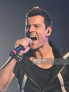 Singer Jordan Knight of New Kids on the Block performs during the kickoff of The Main Event tour at the Mandalay Bay Events Center on May 1, 2015 in Las Vegas, Nevada. DAVID ITRESCI. NODERTE  💒💖💍🏥🚑👦👧