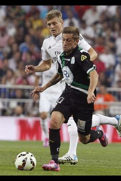 Toni Kroos  first League match with Real Madrid. Assisted Benzema ba9427ef9a18d
