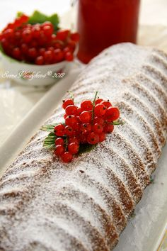 Slovak Recipes, Czech Recipes, Sponge Cake, Croissants, Sweet Recipes, Oven, Good Food, Strawberry, Food And Drink