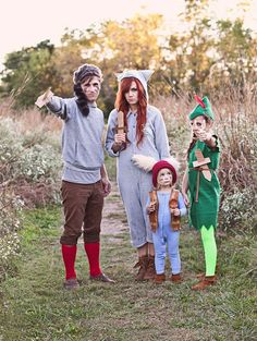 Love this family 's themed Peter Pan costumes!