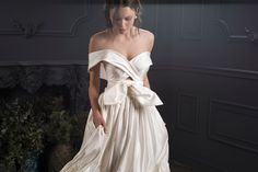 Lihi Hod's 2020 Collection is all about Parisian romance in this stunning runway of wedding gowns. Light, airy and ethereal beading and delicate embroidery capture the spirit of a Paris feel Best Prom Dresses, Prom Dresses For Sale, Popular Dresses, Monique Lhuillier, Plus Size Formal Dresses, Bridal Crown, Beautiful Gowns, Bridal Style, Sexy