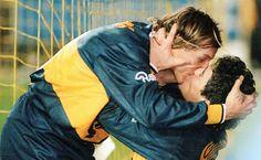 ¿Conocías el beso entre Maradona y Caniggia de 1996? En el blog Mundo Washer y encontrarás esta y otras fotos. Las imágenes más increíbles de la historia del fútbol, vamos. http://www.washer-world.com/las-imagenes-mas-espectaculares-de-la-historia-del-futbol/