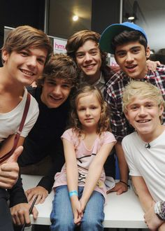 I am a total sucker for any pictures of the boys with children under 10.