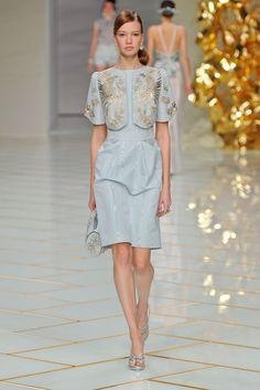 PFW Guo Pei Spring 2016 Couture ...