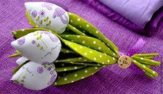 Купить или заказать Тюльпаны из ткани 'Мишки' в интернет-магазине на Ярмарке Мастеров. Интерьерные тюльпаны сделаны хлопковой и льняной из ткани. Веселый, яркий, милый и добрый букетик. Такой букет подойдет для украшения детской комнаты или комнаты смелой, яркой и позитивной девушки! Его можно подарить на какой-нибудь праздник или просто так. Никто не останется равнодушным к такому подарку))) Еще один вариант использования таких тюльпанов это в… Fabric Christmas Ornaments, Christmas Crafts, Fabric Crafts, Sewing Crafts, Mather Day, Handmade Flowers, Fabric Flowers, Diy And Crafts, Sewing Patterns