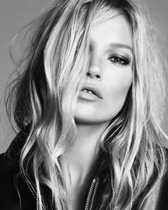 Ermanno Scervino enlists supermodel Kate Moss for its spring-summer 2020 campaign. Lensed by Luigi & Iango, the British beauty poses in a series of black and… Kate Moss, 20s Fashion, Fashion News, Stella Tennant, Toni Garrn, Vogue Japan, Ermanno Scervino, New Face, Italian Fashion