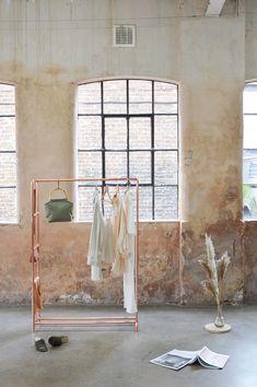 itchliz Copper Pipe Clothing Rail / Garment Rack / Clothes Storage With Ladder Clothing Storage, Clothing Racks, Clothes Rail, Garment Racks, Retail Interior, Copper Color, Copper Rose, A Boutique, Boutique Design