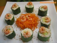 Sushi maki con lechuga y langostinos