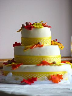 "Fall Wedding Cake used in a Squidoo lens called ""Fall Wedding Ideas…"
