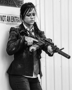 Alex Zedra, Tough Girl, Military Women, Military Army, Female Soldier, N Girls, Action Poses, Badass Women, Gangsters