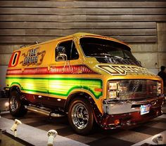 """Van Hauler"" showing off in Japan. Dodge Van, Chevy Van, Customised Vans, Custom Vans, Classic Trucks, Classic Cars, Old School Vans, Vanz, Cool Vans"
