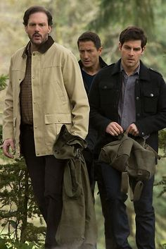 Grimm.Three unsuspected friends... an royal, grimm and vesin