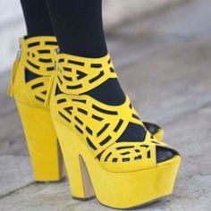 Yellow platformheels #instagram