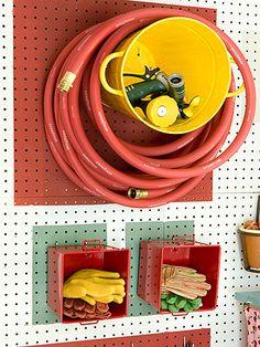 Smart förvaring för slangen.  Bild från bhg.com