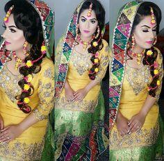 Pakistani Mehndi Dress, Bridal Mehndi Dresses, Pakistani Wedding Dresses, Desi Wedding, Wedding Wear, Elegant Bride, Beautiful Bride, Mehndi Function Dresses, Mehndi Outfit