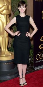 Look of the Day: Anne Hathaway