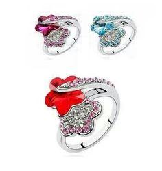 Hermoso anillo de flor y cristales austriacos ♡ sólo en www.ilovetrendy.co ♥