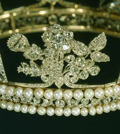The Royal Order of Sartorial Splendor: The Queens Top 10 Diamonds: #2. The George IV State Diadem