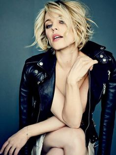 Rachel McAdams Hot Pictures, Bikini And Fashion Style (49 Photos) Beautiful Female Celebrities, Beautiful Actresses, Rachel Mcadams Hot, Pulled Back Hairstyles, Daniel Day, Pisces Woman, Capricorn, Hair Pulling, Popular Girl