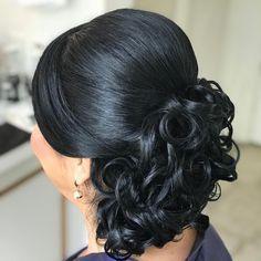 Adoooro #PenteadosSoniaLopes ✨ . . . #sonialopes #cabelo #penteado #noiva #noivas #casamento #hair #hairstyle #weddinghair #wedding #inspiration #instabeauty #penteados #novia #inspiração #cabeleireiros #lovehair #videohair #curl #curls #noivasdobrasil #vireinoiva #noivassp #noivas2017 #noivas2018 #cabelos #cursosdepenteados