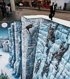 Game of Thrones street art drawn on the streets of London
