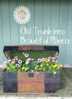 How to turn an old trunk into a beautiful planter!