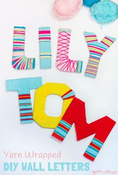Yarn Wrapped Wall Letters Kids and grown-ups will love this Yarn Wrapped DIY Wall Letter Craft. A cheap DIY hack to make bright wall letter displays for around the home. Great for kids bedrooms. Wine Bottle Crafts, Mason Jar Crafts, Mason Jar Diy, Diy Letters, Letter A Crafts, Yarn Letters, Cardboard Letters, Cardboard Boxes, Crafts With Cardboard