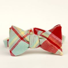 mens bow tie in red and mint plaid. beautiful color combo.