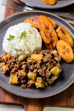 Nutritious Snack Tips For Equally Young Ones And Adults This Easy Savory Cuban Picadillo Recipe Is A Beef Hash With Cumin, Oregano, Onions, Potatoes, And Green Olives Perfect For Weeknight Dinners. By Latinamommeals Best Beef Recipes, Meat Recipes, Mexican Food Recipes, Dinner Recipes, Healthy Recipes, Ethnic Recipes, Cuban Meat Recipe, Hawaiian Recipes, Dinner Ideas
