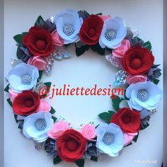 Christmas Wreath, Felt Wreath, Handmade Wreath, Holiday Wreath by juliettesdesigntr on Etsy https://www.etsy.com/listing/562986148/christmas-wreath-felt-wreath-handmade
