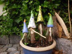 4 Wichtel,aus Keramik und Holz, Zwerg,Gartenzwerg von Gugglimuk auf DaWanda.com