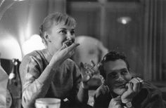 Joanne Woodward eating someth...sorry, too distracted by Paul Newman's face.   21 Awesome Vintage Photos Of Celebrities Eating