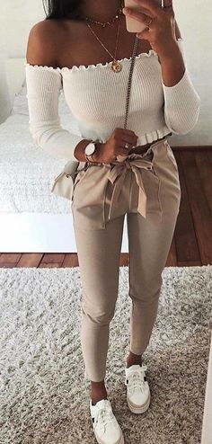 Pretty Spring Outfits You Should Already Own - Trendy Outfits Teen Fashion Outfits, Mode Outfits, Cute Fashion, Fall Outfits, School Outfits, Fashion Dresses, Unique Fashion, Fashion Ideas, Airport Outfits