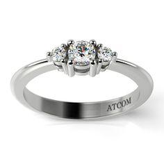 Un cadou pretios asemenea dragostei fata de  persoana iubita. Inelul din aur alb cu diamante este cadoul perfect in luna iubirii!